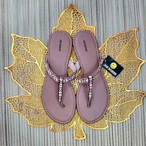 Joe Boxer | Tribal Thong Sandals in Amber Flip Flo